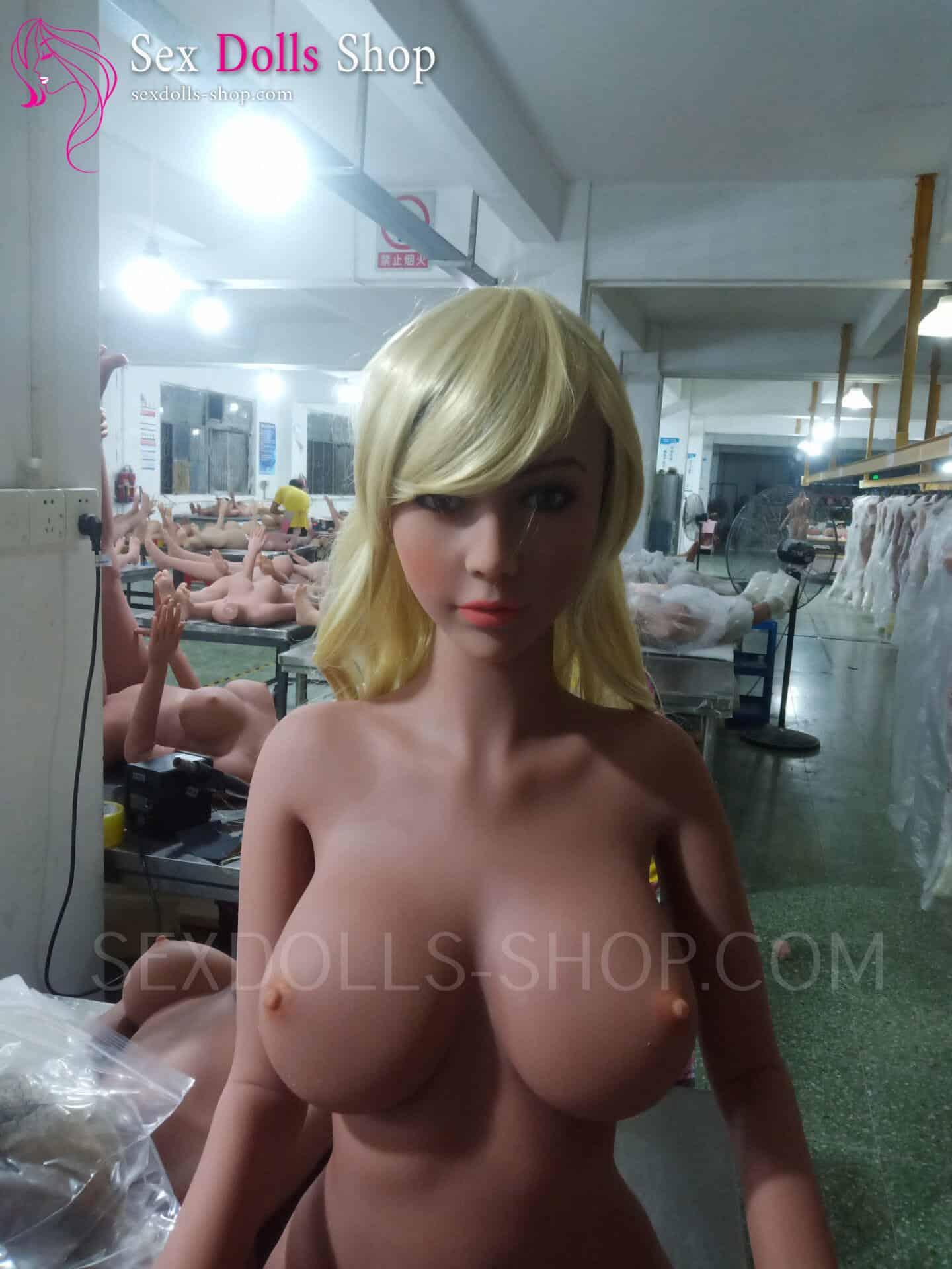 wm 162cm E cup tan skin light brown nipples head56