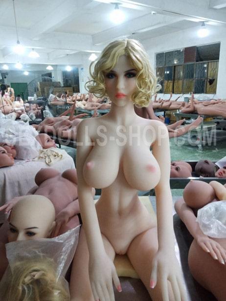 wm 171cm H cup fair skin color pink nipples head 159
